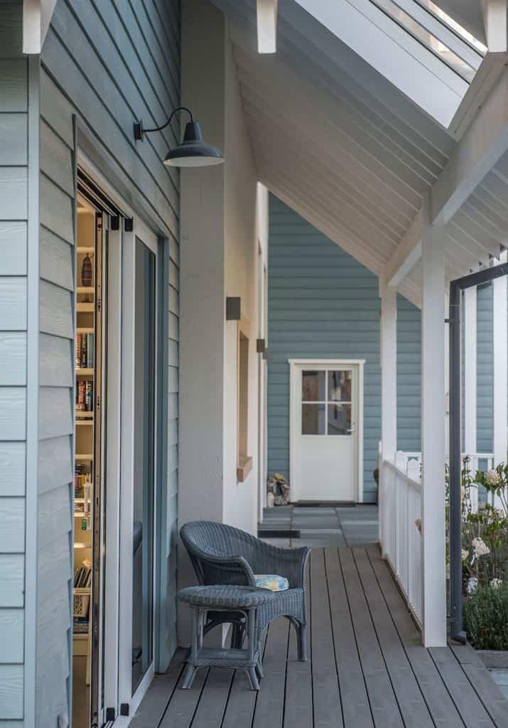 New England Style Veranda