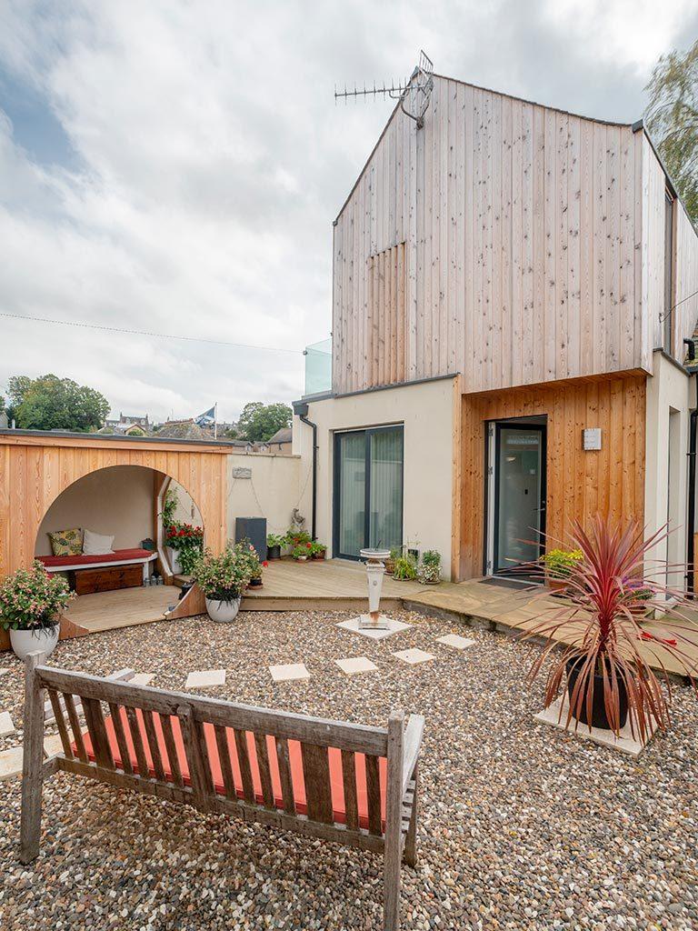 Private Garden & Access